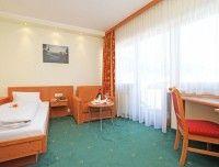 komfortzimmer-hotel-waidring-2.jpg